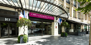 crowne-plaza-paris-republique-hotel-seminaire-ile-de-france-paris-entree