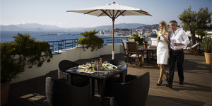 grand-hyatt-cannes-hotel-martinez-divers-1