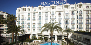 grand-hyatt-cannes-hotel-martinez-facade-1